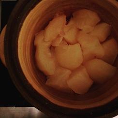 20161121-リンゴと土鍋.JPG